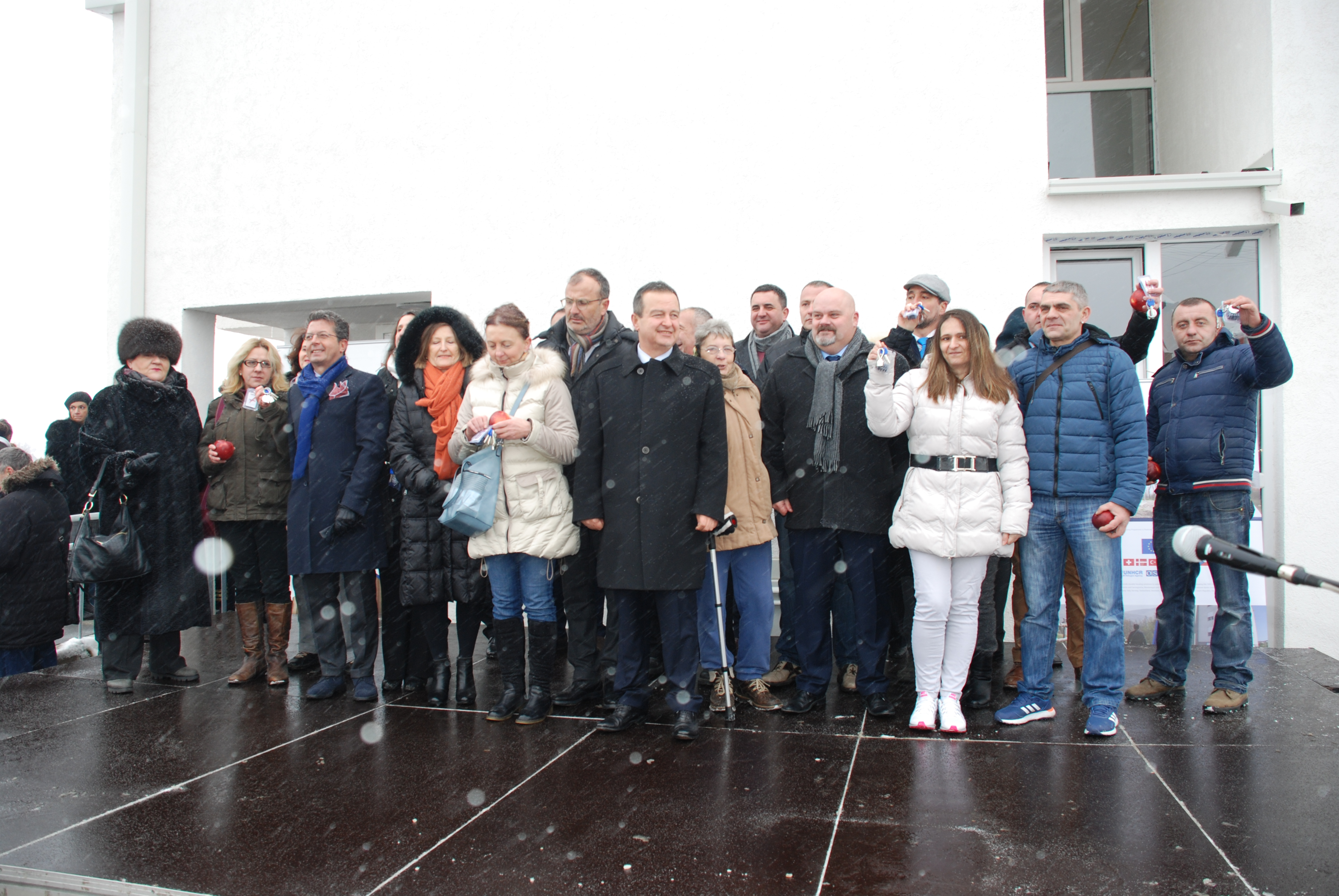Ceremonial awarding of keys for 11 apartments for refugees in Zrenjanin